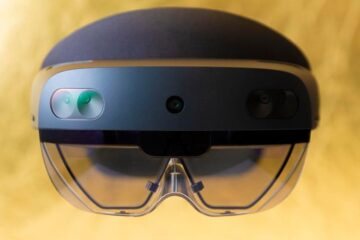 Microsoft Edge Now Supports Mixed-Reality Browsing Via HoloLens 2
